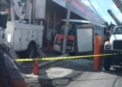 Unidad del transporte público se queda sin frenos y choca contra poste